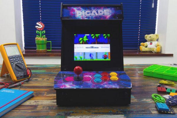 Picade Aracade Cabinet for the Raspberry Pi